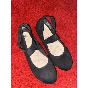 SO Shoes - Black SO cross ankle flats